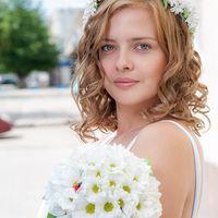 Образ невесты в венке из ромашек и с букетом невесты из ромашек