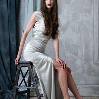 Свадебное платье из натурального шелка со шлейфом