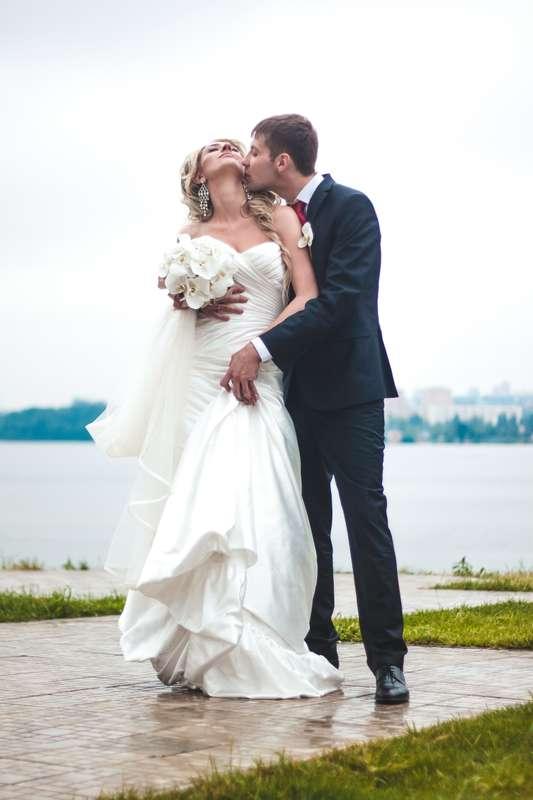 фотографии, подружки невесты, фото, фотограф, свадебное, салон,зеркало, красота, wedding, свадьба, платье, туфли, макияж, девичник, сборы, утро невесты, фуршет, липецк, любовь - фото 4070197 Свадебный фотограф Анжелика Лосихина