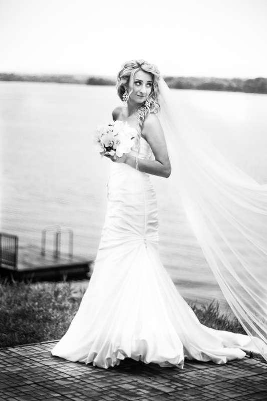 фотографии, подружки невесты, фото, фотограф, свадебное, салон,зеркало, красота, wedding, свадьба, платье, туфли, макияж, девичник, сборы, утро невесты, фуршет, липецк, лагуна, набережная - фото 4070205 Свадебный фотограф Анжелика Лосихина