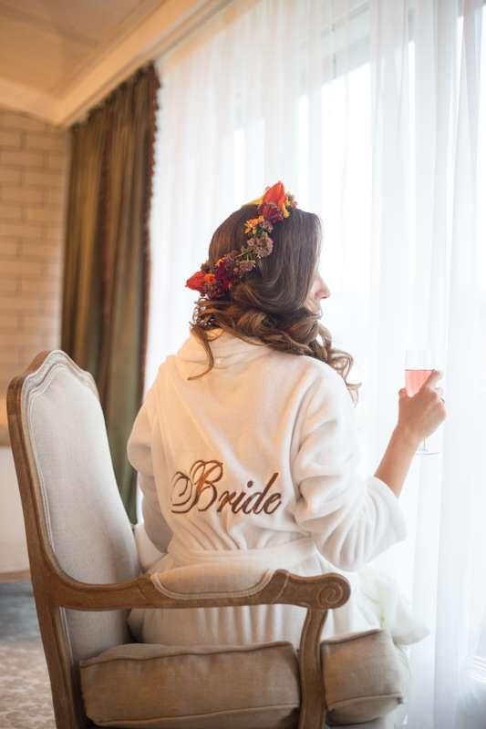 невеста, свадьба, цветы, венок, прическа, укладка, нежность, жених, утро невесты - фото 7434558 Свадебный фотограф Анжелика Лосихина