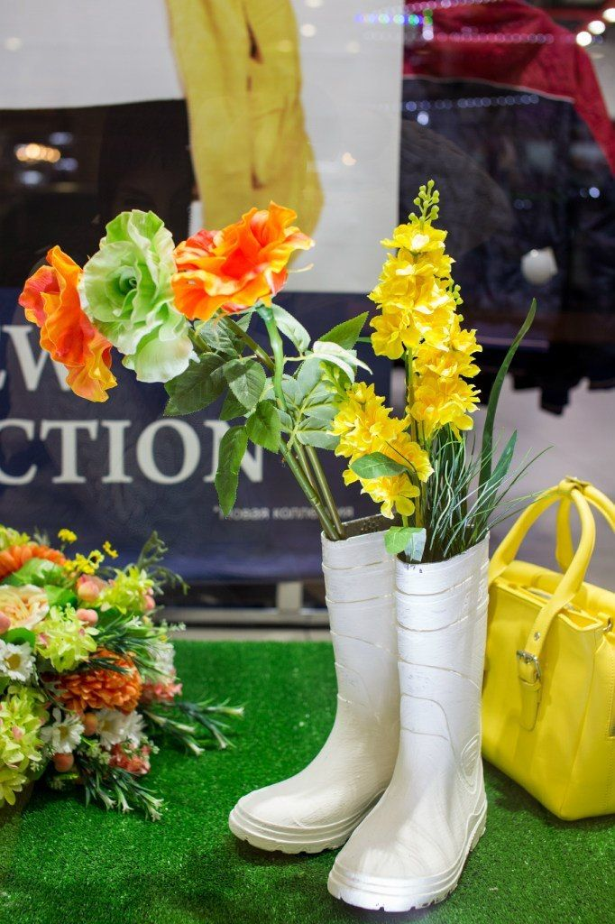 ТК ФИЕСТА. Витрина  магазина STOLNIK. Весна 2015 - фото 4192819 Мятный Лимон мастерская декораций