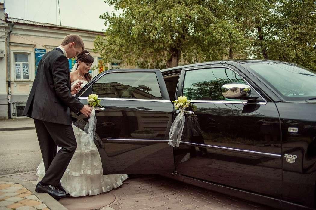 Фото 4247097 в коллекции CHRYSLER 300 C Самый большой седан длина 5,2 - LUXCar - аренда автомобилей