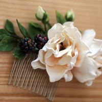 Гребень в причёску невесты