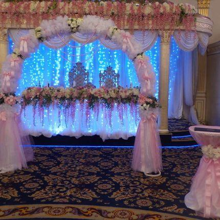 Арка и столик для регистрации бело-розовый