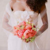 Розовый букет невесты из пионов