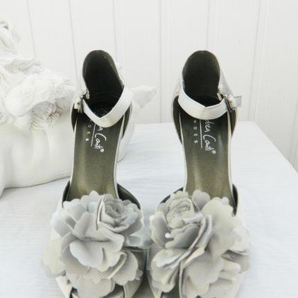 Свадебные туфли серебристого цвета