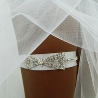 """Свадебная подвязка""""Элисия"""" - очень аккуртаная подвязочка с шикарным бантом из кристаллов"""