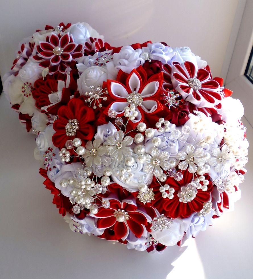 Дорогие невесты! Хочу предложить Вам уникальные Брошь букеты, выполненные в разной технике с использованием шелка, шифона, атласа, атласных лент. - фото 15368314 Оформление свадеб, букеты и аксессуары - Decover