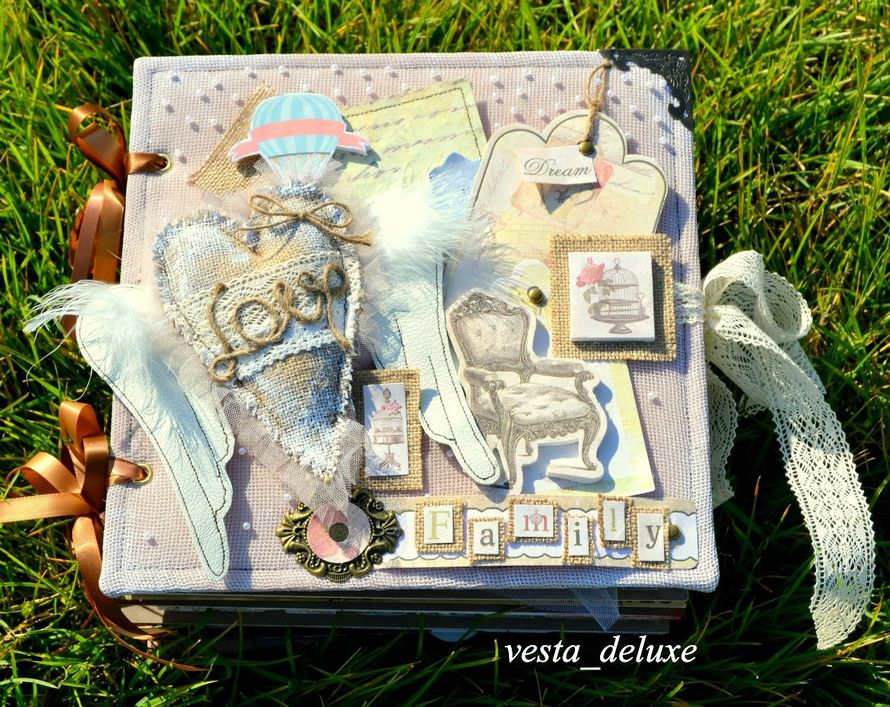 Очередной скрап альбомчик! Изготовлен в сжатые сроки, но как всегда с душой и  любовью! Приятного просмотра! Подарите и своим близким неповторимый индивидуальный подарок! - фото 7695132 Vesta Deluxe - оформление свадеб