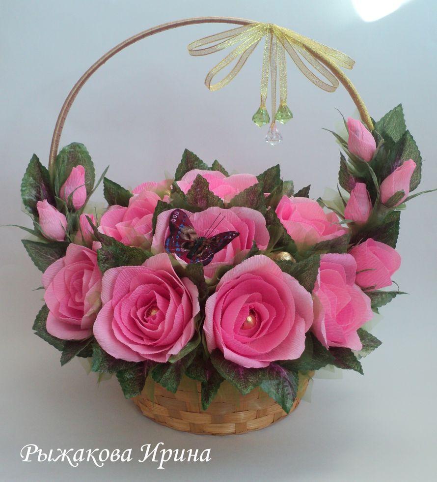 """Высота корзинки 42 см, диаметр 35 см, в корзинке 21 цветок, в композиции использовались конфеты """"ОСЕННИЙ ВАЛЬС"""" и """"МАРСИАНКА"""" 26шт. - фото 5168481 Свит дизайн Рыжакова Ирина"""