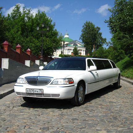 Аренда лимузина Lincoln Town Car