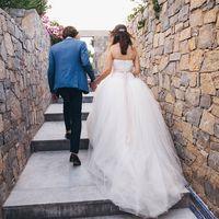 """Свадебное украшение для волос, гребень """"Santorini"""", ручная работа.  Натуральный жемчуг, бусины хрустальные, стразы, ювелирная проволока с антиокислительным покрытием. Размер украшения в длину: 10 см."""