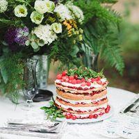 свадьба для двоих, свадьба в стиле ботаник, свадебная фотосессия на природе, свадебный декор, стол молодоженов, свадебный торт, голый торт