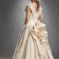 """Свадебное платье """"Мартель"""", размер 44-46, цвет капучино, цена 6000грн., в подарок вышитая фата в розы."""