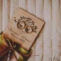 Лесная свадьба Ксюши и Димы с элементами бохо. Деревянные приглашения на свадьбу  фото - [id2578864|Таисия Панкратова] декор - [club73606373|Paper wedding / Бумажная свадьба]