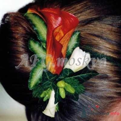 Фото 8403 в коллекции Прически с живыми цветами