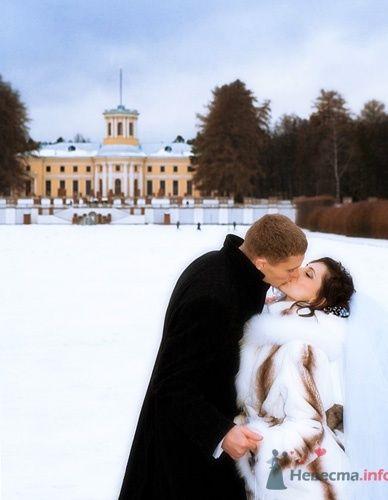 Невеста и жених на зимней свадебной фотосесии. - фото 589 Алла Иванова - свадебный фотограф studio14