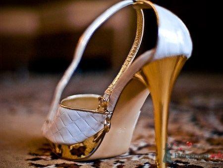 Босоножки для невесты на высоких каблуках. - фото 638 Студия фото и видеосъемки Aliya Pavrose