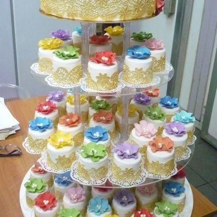 Торт 2 кг и мини торты 40 шт