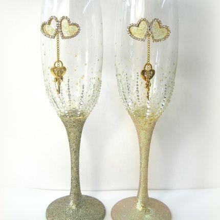 Свадебные бокалы в золотом цвете