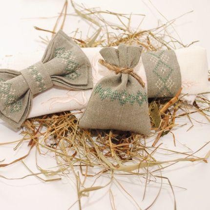 Бабочка и мешочек для подарков