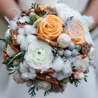 Зимний свадебный букет из хлопка и корицы