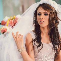 Записаться к Елизавете (Рыбацкое + выезд)- мастер свадебных и вечерних причесок и макияжа можно по ссылке