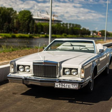 Аренда Lincoln Continental Mark V 1977