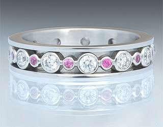 Платина, бриллианты , розовые сапфиры - фото 6456228 Национальный ювелирный дом