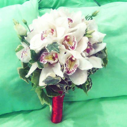 Букет невесты с  орхидеями