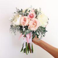 букет с пионами и розой Дэвид Остин - 6000р.