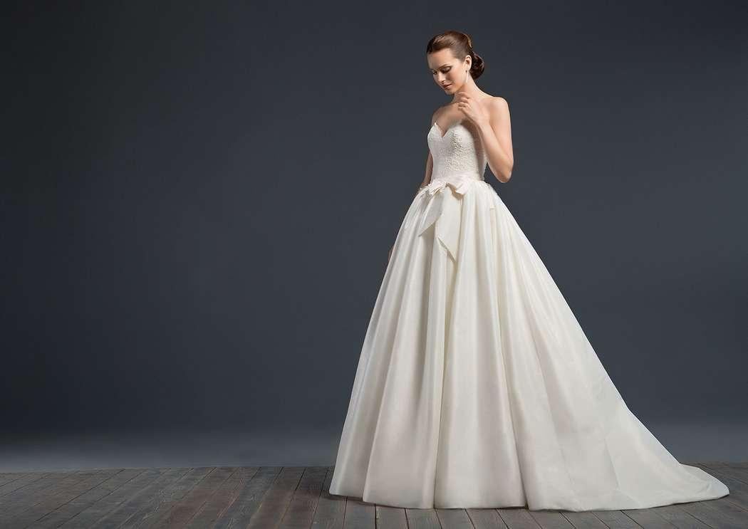 Diamante - фото 6501330 Арт-подиум - свадебный салон