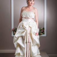 Свадебное платье Крем-Волан  9500 Р