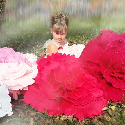 Гигантские цветы для декора