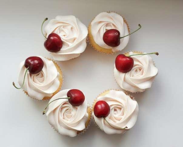 Ванильные капкейки с карамелью - фото 6794008 The wondercake - Эксклюзивные десерты