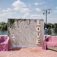 фотозона выездная церемония свадьба жених невеста snegwed