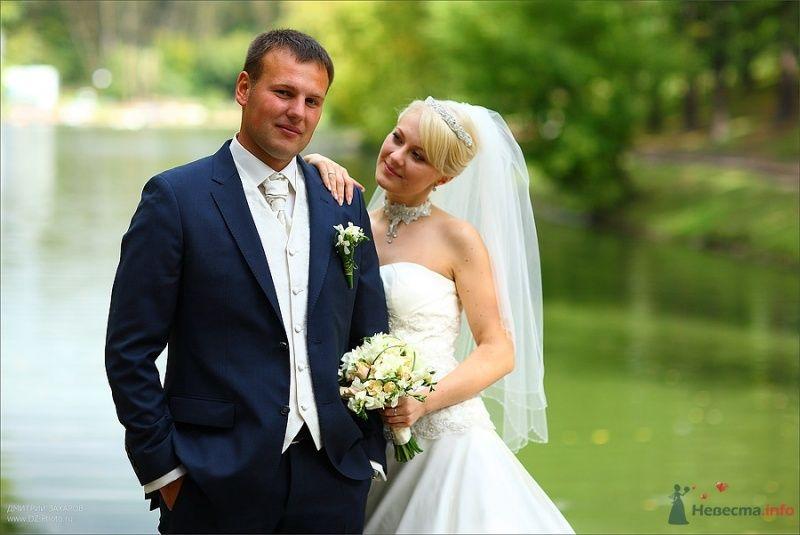 """Классический мужской синий костюм """"тройка"""" с белым галстуком, белой - фото 63554 Невеста01"""