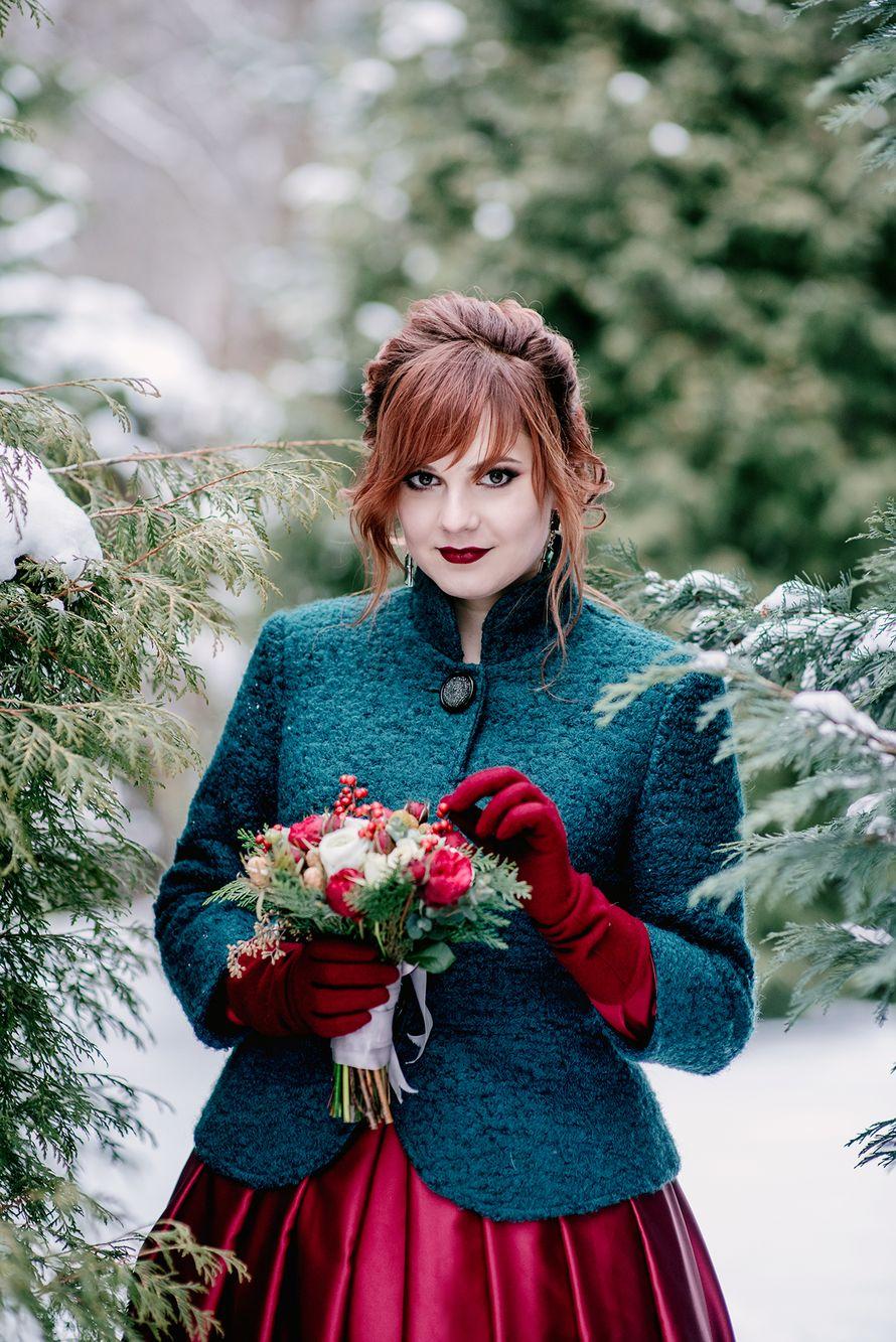 свадьба, зима, бардовый, красный,изумрудный, черный, жених, невеста, свадебная фотосессия, флористика, букет, букет невесты - фото 13240076 Маслова Виктория - фотограф