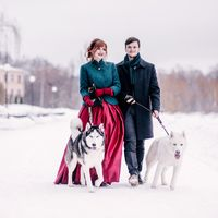 свадьба, свадебная фотосессия, свадебный фотограф, фотограф, хаски, фотосессия с животными, красный, бордовый, изумрудный