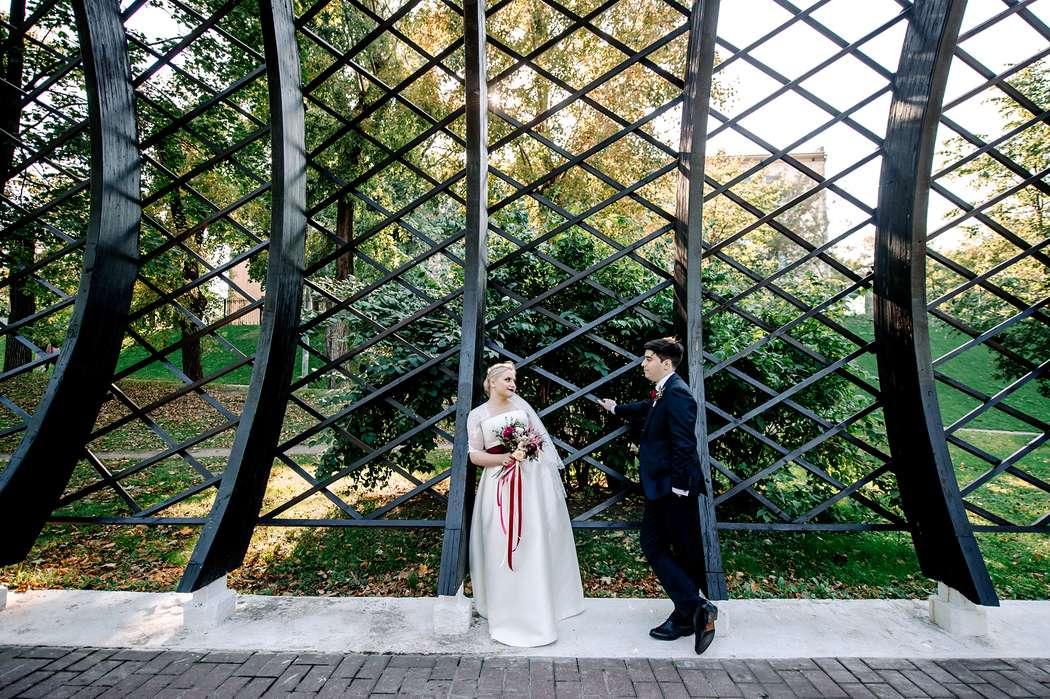 свадьба, свадьба осенью, жених, невеста, бордовый, фотограф, марсала, детали, букет невесты, утро невесты - фото 16450998 Маслова Виктория - фотограф