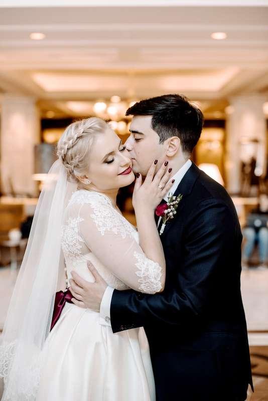 свадьба, свадьба осенью, жених, невеста, бордовый, фотограф, марсала, детали, букет невесты, утро невесты - фото 16451010 Маслова Виктория - фотограф