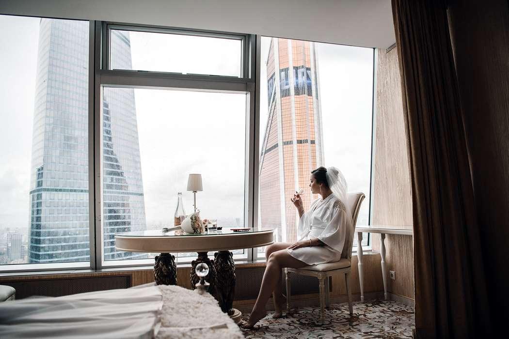 свадьба, утро невесты, сборы невесты, образ невесты, белый, сборы в гостинице, москоу сити - фото 17697020 Маслова Виктория - фотограф