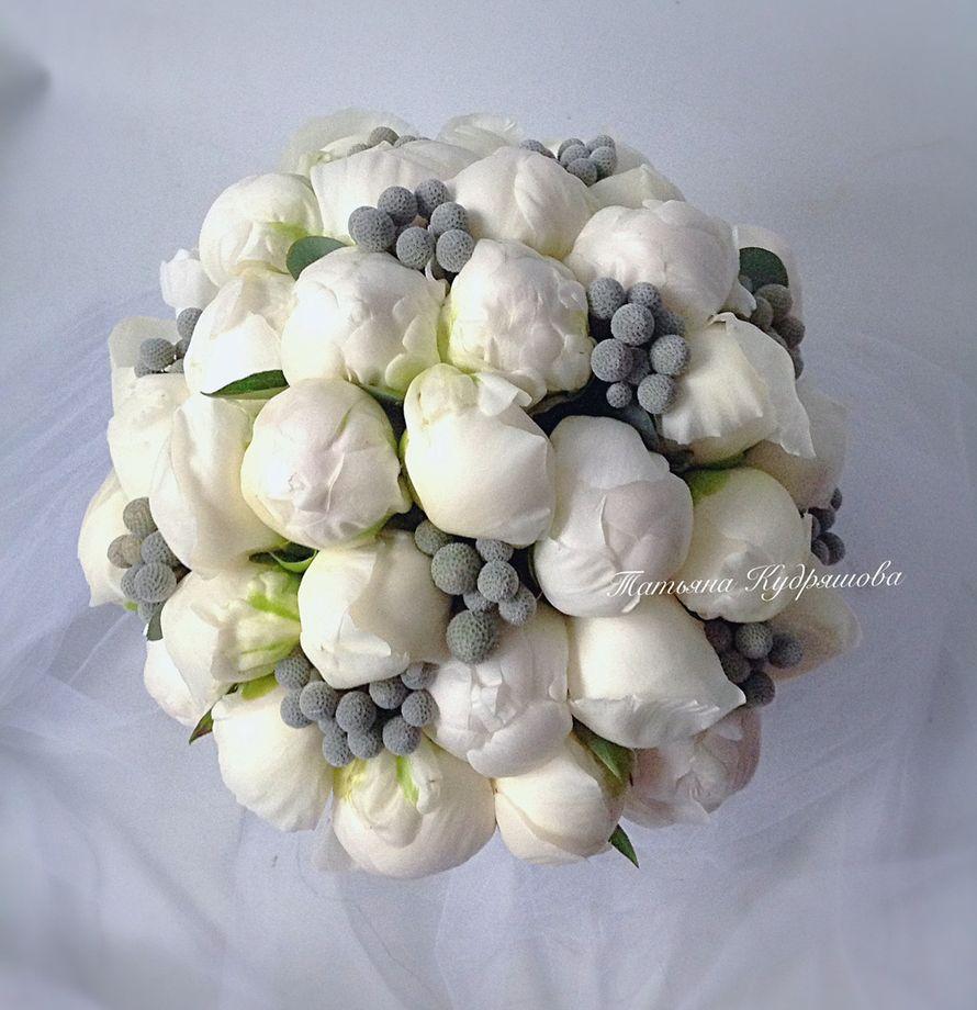 Букет невесты из белых пионов - фото 17627614 Цветочная мастерская Татьяны Кудряшовой
