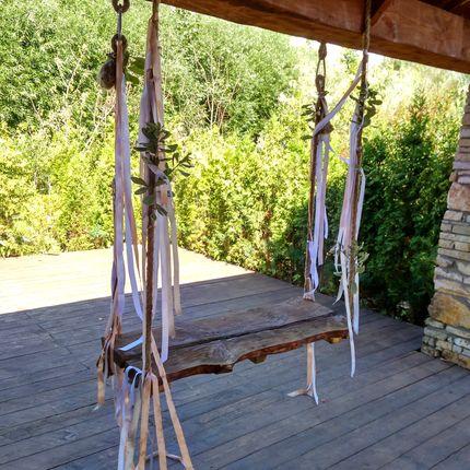 Деревянные качели в аренду