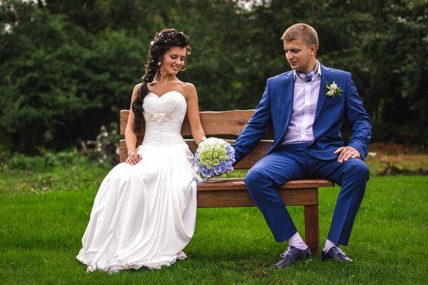 """Букет как часть постановки на свадебной фотографии - фото 2773415 Компания """"Аспект-Н""""- организация свадьбы"""