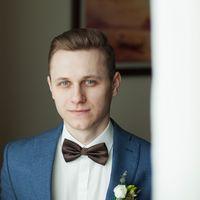 отель милан, фотосессия в отеле, зимняя свадьба, сборы невесты, сборы жениха и невесты, сборы жениха, бабочка, бутоньерка, образ жениха
