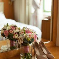 отель милан, фотосессия в отеле, зимняя свадьба, сборы невесты, аксессуары, букет невесты, розовый, кружевное, образ невесты, средний пучок, пеньюар, будуарная фотосессия, будуарное платье, туфли