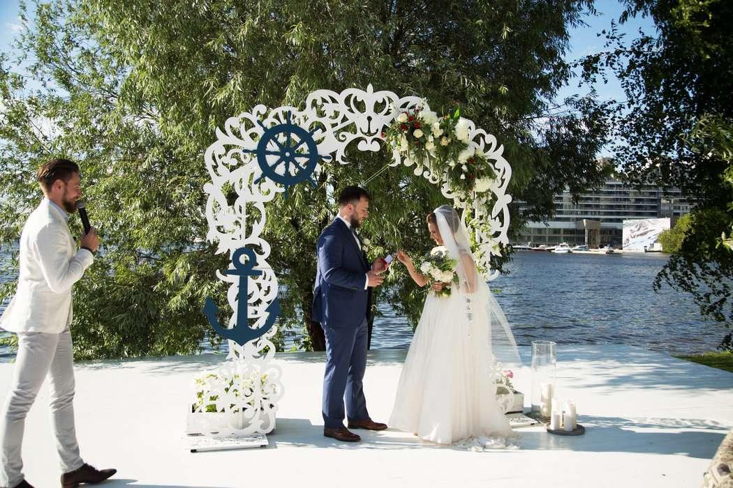 морская тема, морская свадьба, свадьба у воды, выездная регистрация, арка, синий - фото 15539732 Фото и видеосъёмка Fevish studio