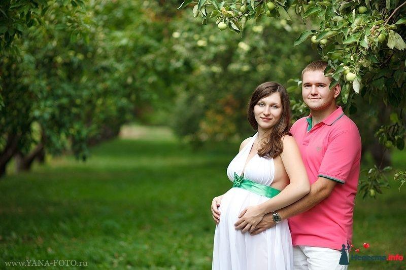 Фотосессия беременных с мужем на природе весной идеи